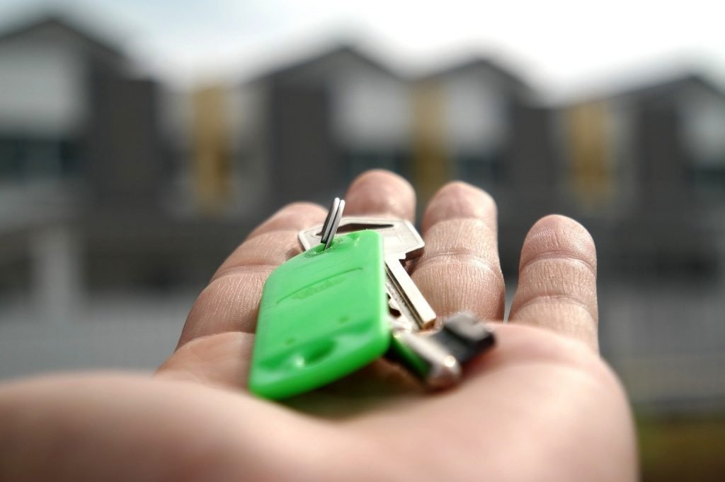 image of keys to a new build house